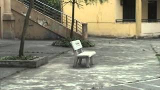 ghế đá sân trường