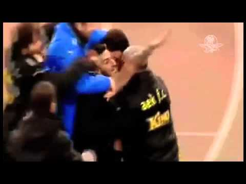 Sancionan a Futbolista de AEK de Atenas Por Realizar Saludo Nazi