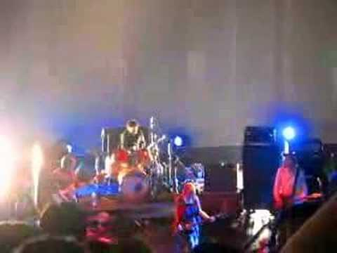 Sonic Youth Live in Shanghai-Teenage Riot
