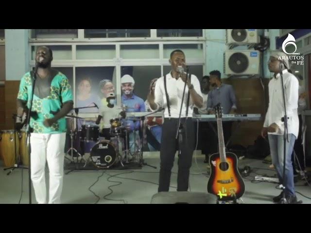 Música gospel ao vivo com Tiago Francisco - Praise arte