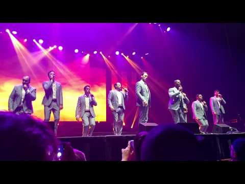 """Straight No Chaser - """"The Lion Sleeps Tonight"""" (Live - Oakdale Theatre 2017)"""