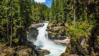 Silver Falls: Mount Rainier National Park (HD)