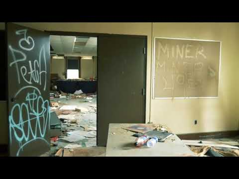 Abandoned Highschool in Flint, Michigan - Flint Central Highschool