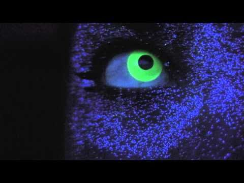 Green Glow / Rave Contact Lenses - YouTube