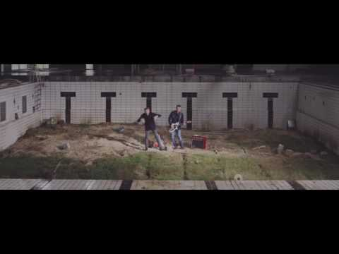 Tue Track vz PowerSolo - New Fazhioned Girl (Official Video in collaboration with Denim Project)