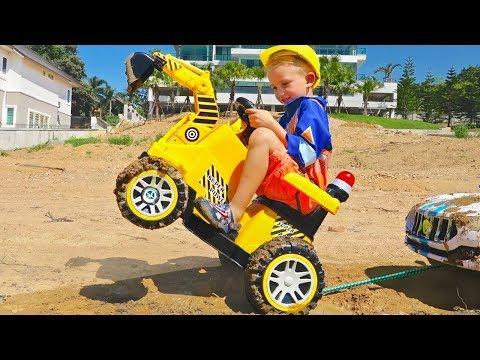 Vlad ride on excavator help little Nikita