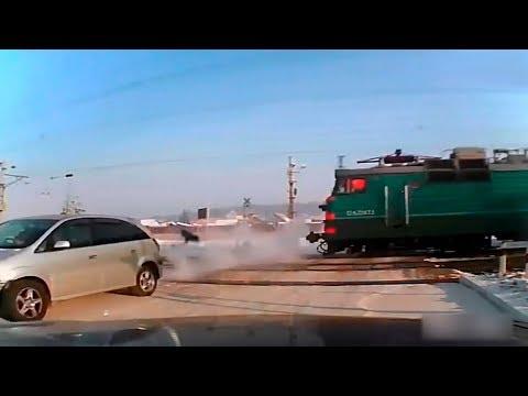 Водитель выпрыгнул из машины