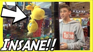★The Craziest Claw Machine Video On YouTube!!! ~ ClawTuber(Claw Machine Time Again!! Today I Go To Tilt Studio Arcade To Find Possibly The Most Insane Claw Machine I've Ever Seen!!! You Are About To Watch Some ..., 2016-10-03T20:00:01.000Z)