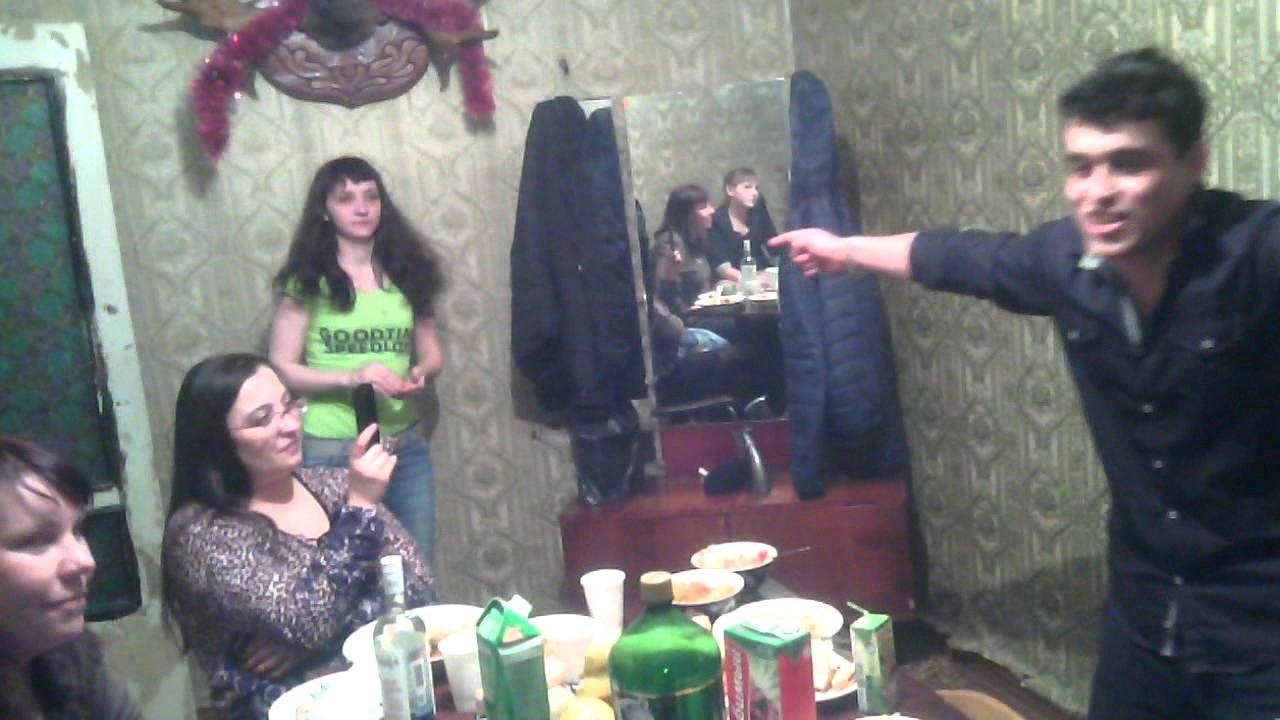 таджикский мальчик пристает к девушке