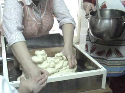 Il Pane: Sa Macchina Po Impastai (lu0027antica Macchina Artigianale Per  Impastare)