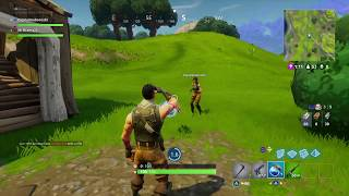 Fortnite - How To Drop Items from Your Inventory and How To Rearrange It