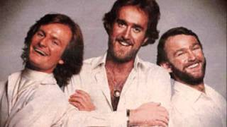 Hee Bee Gee Bees - The Kids From Shame 'Me!'