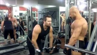 Упражнения для груди: жим гантелей лёжа и сведение рук в кроссовере. Тренировка для грудных мышц(Тренируем нижнюю часть груди, такими упражнениями для грудных мышц как: сведение рук в кроссовере (верхний..., 2011-07-02T20:29:00.000Z)