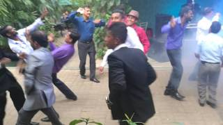 Typical Sri Lankan Drunken Uncle dance (funny)
