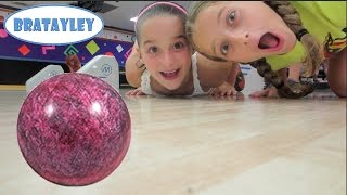 Bowling Alley Fun with Sydney and Luke (WK 184.6) | Bratayley