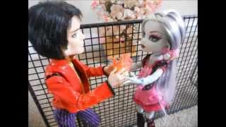 """Monster High stop motion - """"Beastly and the Beauty"""" (part 1)"""