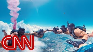 Go skydiving with the US Army - 360 Video