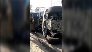 ДТП в Алматы Внедорожник и микроавтобус упали на бок
