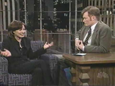 Joey Lauren Adams interview 1998