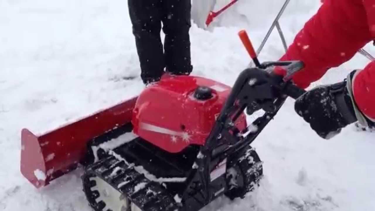 ホンダのブレード除雪機「ユキオス」 - YouTube