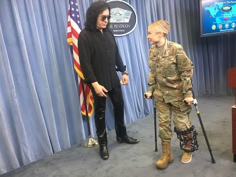 gene-simmons-fights-back-tears-talking-about-how-much-his-late-mother-loved-america