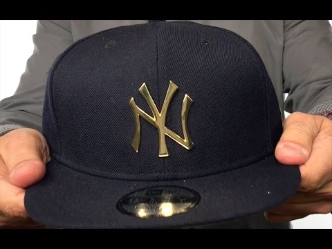 Yankees  GOLD METAL-BADGE SNAPBACK  Navy Hat by New Era - YouTube b074f15525