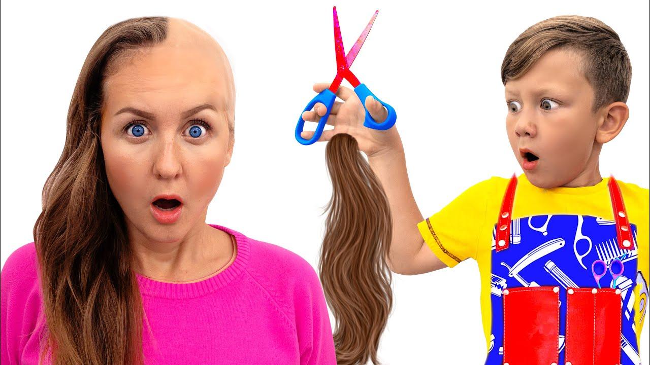 Сеня подстригает Маму и Папу