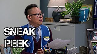 Superstore - Episode 3.08 - Viral Video - Sneak Peek 1