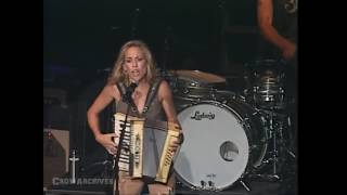 Watch Sheryl Crow Cmon Cmon video