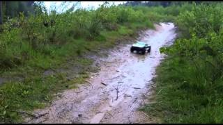 Gambar cover Traxxas Summit, Stampede, Slash 4x4 in the mud and rain, forest RC trial