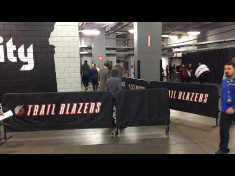 Golden State Warriors (2-1) enter Moda Center arena to face Portland Trail Blazers