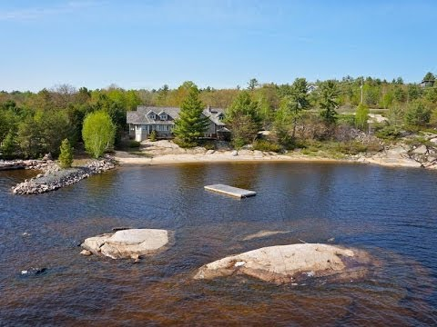 Magnificent Waterfront Home In Parry Sound, Canada