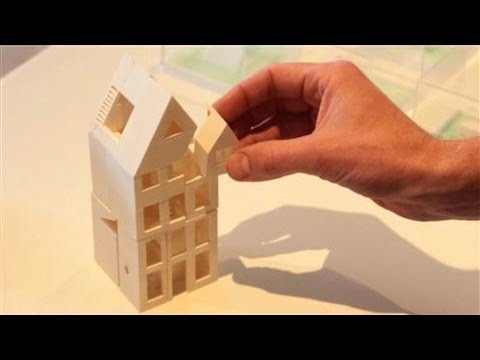 Kamer maker builds world 39 s first 3d printed house youtube for 3d house maker