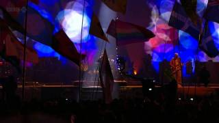 U2 Yellow / Moment Of Surrender Glastonbury 2011 HD