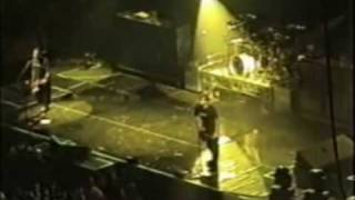 13 - blink-182 - Family Reunion live at Pop Disaster Tour [Bakersfield]