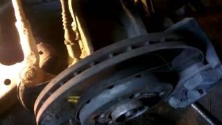 видео Скрип при торможении: причины возникновения