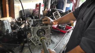 tremec tko 500 rebuild part 2 output shaft removal and disassembly