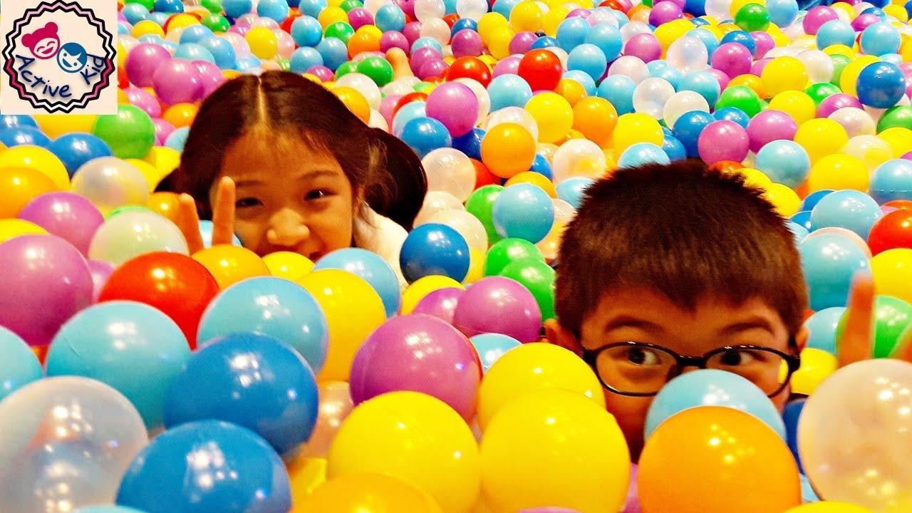 สระบอลยักษ์มหาสนุก งานวันเด็ก @CentralWorld   ยาหยีกับน้องอัยย์