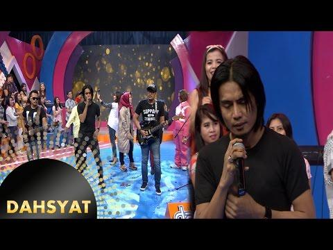 Tak Ada Yang Mampu Menghentikan 'Pengorbanan Cinta' Setia Band [DahSyat] [15 Nov 2016]