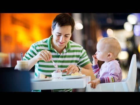 10 Tips for Eating Out with a Toddler | Baby Travel