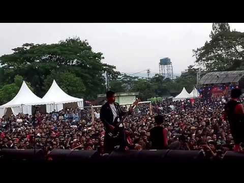 DEAD WITH FALERA - KHAYALAN TINGKAT TINGGI (NOAH Cover) Live Hellprint 2017