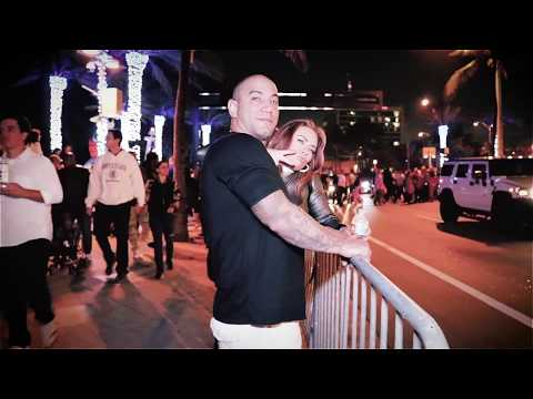 Fort Lauderdale Las Olas 2017-2018 New Years Eve Ball Drop Walk Around