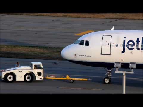 Very Fast Dash 8 Takeoff | 2 Jetblues!/// Planespotting at TF Green Airport