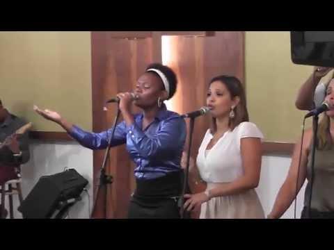 Igreja Cristã Abrigo - Break Every Chain - Abrigo Choir