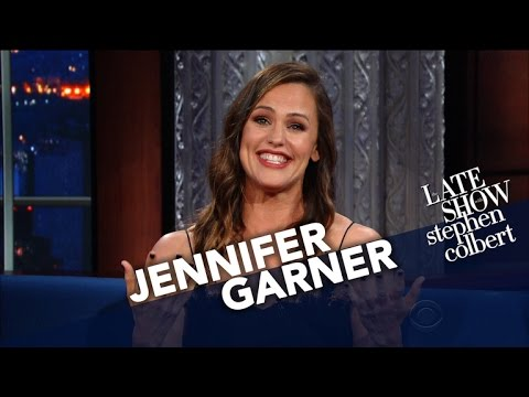 Jennifer Garner Uses Her Endorsing Skills For 'The Late '