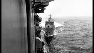 Наши таранят Американский флот!!!   США в панике)))