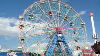 Wonder Wheel in Deno's Park at Coney Island