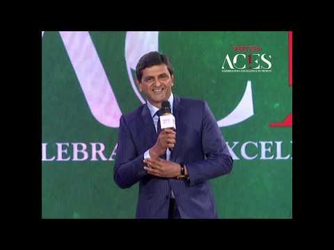 Sunil Gavaskar has fanboy moment giving Prakash Padukone award