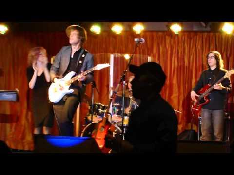 The Vinyl Underground  Chris Ashworth Heartbreaker Guitar Solo