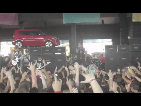 Of Mice & Men Ohioisonfire, OG Loko, & Let Live  Live Milwaukee Warped Tour